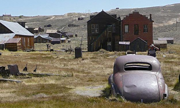 On ne peut pas non plus se débarrasser d'un véhicule hors d'usage en pleine nature! (ici à Bodie, ville fantôme laissée en l'état)