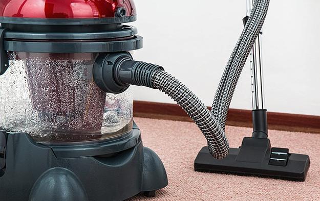 aspirateur-a-eau-moquettes-tapis-nettoyer-menage-anti-acariens
