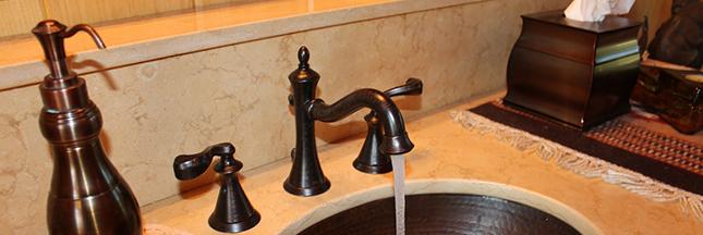 deboucher-un-evier-salle-de-bain-cuivre-ban