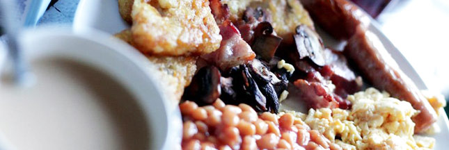 Le vrai English Breakfast: une possibilité, mais un peu lourd.