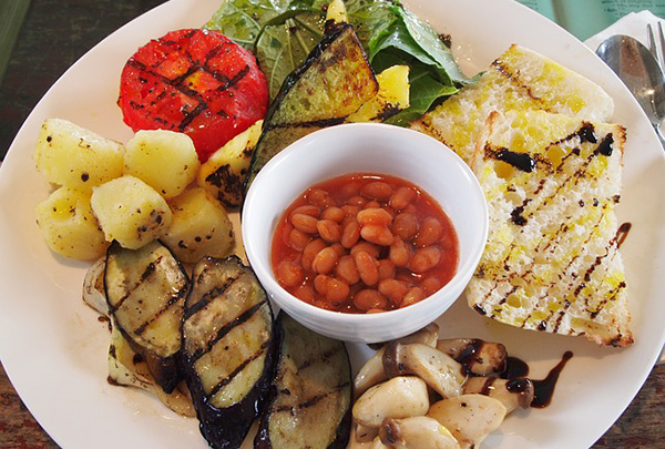 brunch-vegetalien-petit-dejeuner-frais