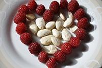 framboises-amandes-alimentation-vegetarienne-01