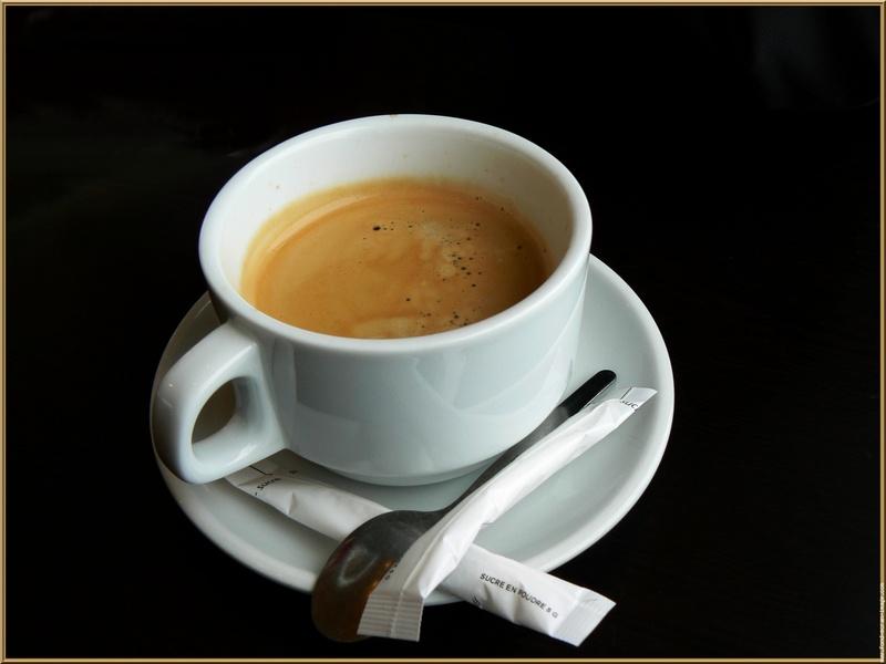 Cafe ???-http://www.consostatic.com/wp-content/uploads/2013/04/cafe_tasse_t.800.jpg