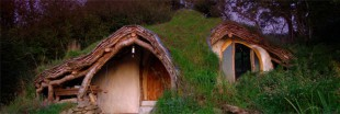 Une vraie maison de Hobbit, cologique et autosuffisante