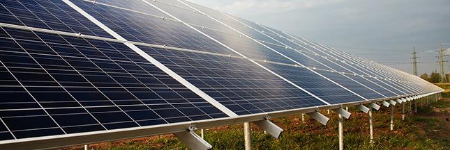 Photovoltaïque : tarifs d'achat et conséquences Panneaux-solaires-ban