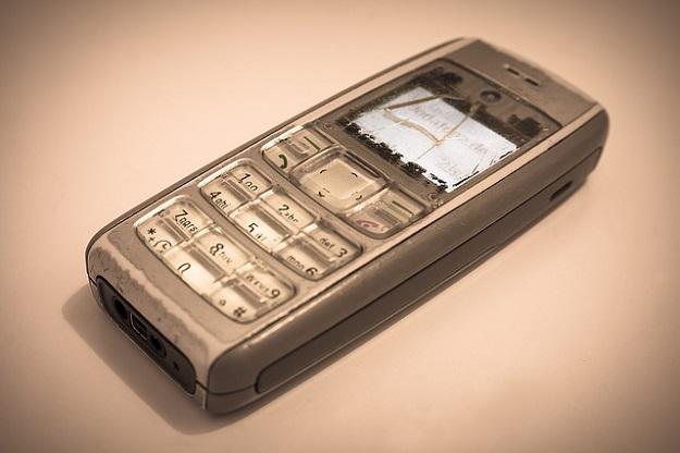 téléphone portable cassé