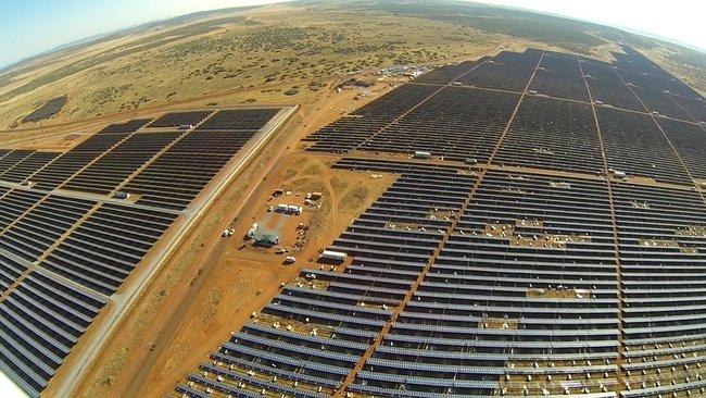 ferme-solaire-record-afrique.jpg