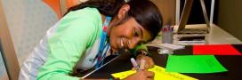 Une ado découvre comment purifier l'eau grâce à l'énergie solaire