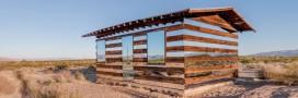 Une cabane invisible en plein désert