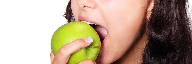 pomme-dents-bouche-alimentation-saine-fruit-ban