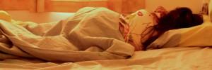 femme-dormir-lit