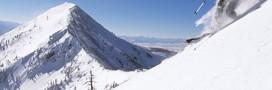Pollution de l'Everest: les grimpeurs contraints à descendre 8 kg d'ordures!