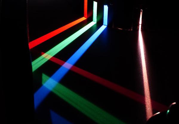spectre-de-lumiere-prisme-couleurs-chromothérapie-01