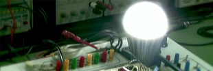 Espagne : Benito Muros invente « l'ampoule éternelle »