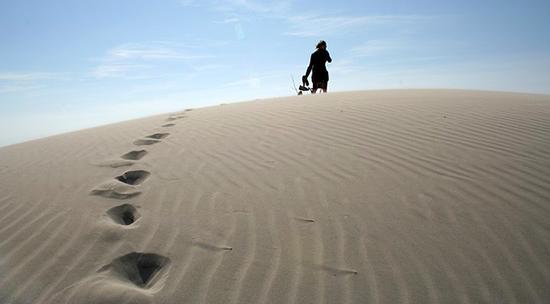 plage-vacances-marche-sable