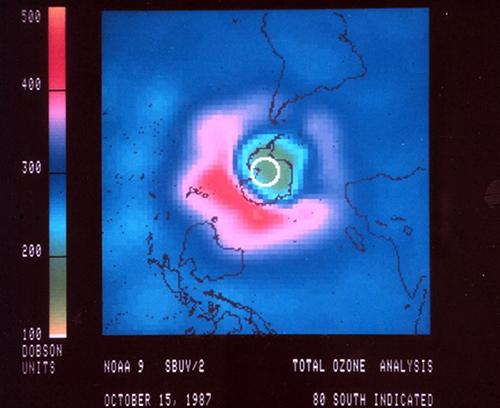 Le trou de la couche d'ozone au-dessus de l'Antarctique