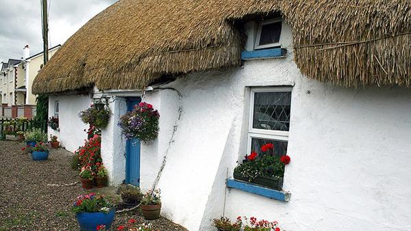 maison-traditionnelle-irlande-chaume