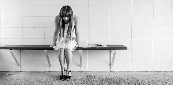 tristesse-femme-depression-larmes-pleurer-02
