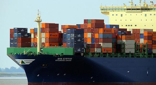 bateau-navire-porte-container-conteneur-transport-02
