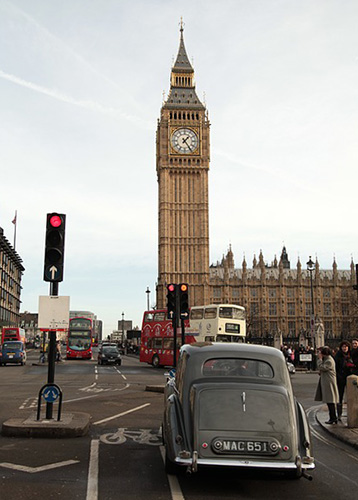 big-ben-londres-london-trafic-voiture-circulation-01