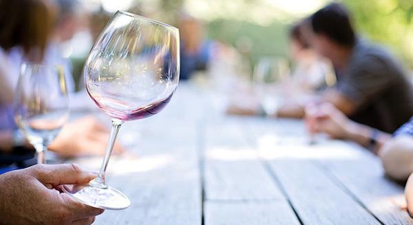 verre-de-vin-bio-degustation-boisson-01