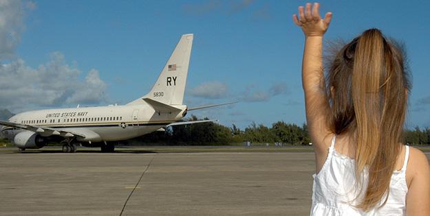 enfant-avion-au-revoir