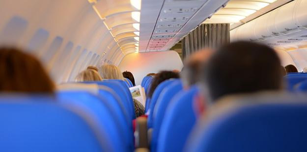 passagers-avion-compagnie-aerienne-nourriture-service-01