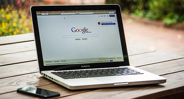 ordinateur-travail-google-entrepreneur-02