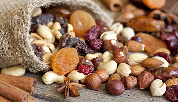 fruits secs noix noisettes
