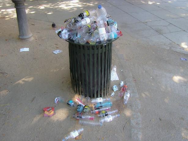 Les jeunes ont moins l'occasion de trier leurs déchets que leurs aînés, car souvent en dehors de chez eux.