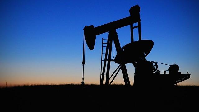pompe pétrole énergies fossiles