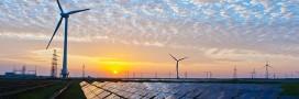Le coût de l'électricité solaire et éolienne seraplus que divisé par 2en 10 ans