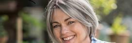 J'assume mes cheveux gris en beauté : 3 astuces naturelles
