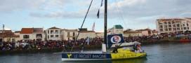 Heurté par un OFNI, un skipper du Vendée Globe déplore: 'La mer n'est pas propre'