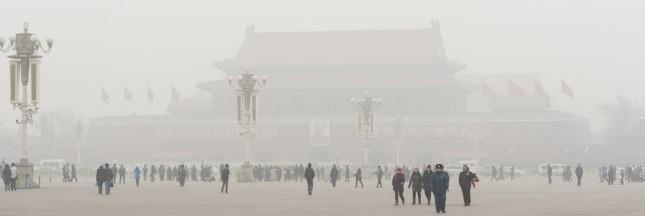 Pékin commence 2017 étouffée par un brouillard toxique