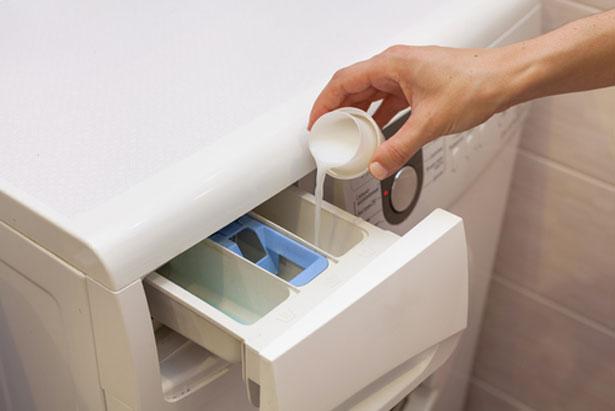 3 astuces avec du vinaigre blanc pour votre machine 224 laver